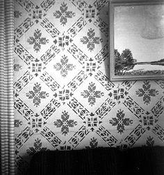 Karl Markusson, schablonmålad tapet i salen.