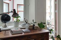 Allrummet inrymmer också ett skrivbord om man vill