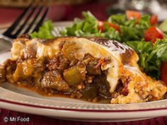 """This Greek favorite has a few shortcuts, which land it on your table in no time! Easy Moussaka, with tender layers of eggplant, ground beef and a creamy custard topping, makes 'em shout """"Opa!"""" every time you serve it! Easy Cooking, Cooking Recipes, Healthy Recipes, Simple Recipes, Quick Recipes, Diet Recipes, Recipies, Mousaka Recipe, Eggplant Recipes"""