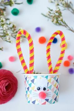 Easter baskets DIY with rabbit face + pipe cleaner ears + Free Printable Easter bunny face - Bunny Face, Ear Cleaning, Egg Hunt, Holiday Break, Easter Crafts, Bunny Crafts, Easter Decor, Easter Ideas, Preschool Crafts