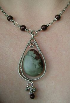 Wire Necklace with stone