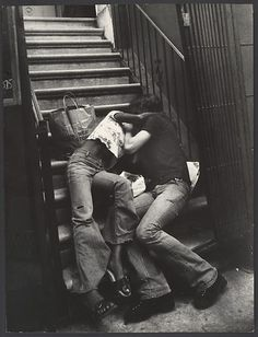 Leon Levinstein, Couple Kissing on Building Steps, New York City