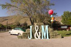 Vintage Inspired Barn Wedding: Maddi + Jesse Part I - Rustic Wedding Chic Chic Wedding, Rustic Wedding, Our Wedding, Dream Wedding, Wedding Stuff, Trendy Wedding, Wedding Bells, Fall Wedding, Decoration Inspiration