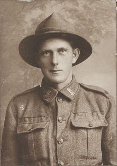 """WWI; """"Despite have shelling Pt J Hansen brought in wounded from the frontline"""" 22 Dec 1916, Archives New Zealand, Twitter."""