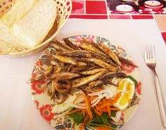 ~Deep fried whole anchovies with fresh lemon.....Karakoy, Istanbul, April, 2012