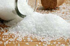 Il sale di Epsom è un ottimo prodotto per pulire la casa in modo naturale e prendersi cura delle piante e del giardino. Ecco come usarlo in modo efficace!