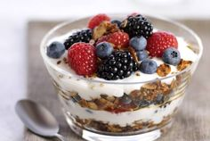 8 Low-Fat, High Energy Breakfast Recipes http://awesomecooker.com/breakfast-fat-free/