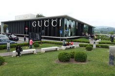 Read this post about my visit to the Florence Outlet Mall in Italy. Find out how I have saved almost 2000 USD on my Gucci and Prada apparel in Tuscany. Cinque Terre Italy, Tuscany Italy, Places Around The World, Around The Worlds, Gucci Outlet, Florence Italy, Future Travel, Vacation Spots, Countryside