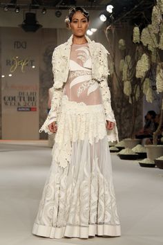 Delhi Couture Week 2011 | Suneet Varma Collection | Latest Fashion News & Trends |