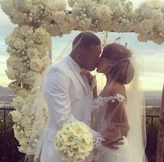 Tips For Planning The Perfect Wedding Day. A wedding should be a joyous occasion for everyone involved. The tips you are about to read are essential for planning and executing a wedding that is both Wedding Goals, Wedding Pics, Budget Wedding, Wedding Engagement, Wedding Planner, Perfect Wedding, Dream Wedding, Wedding Day, Black Love Couples