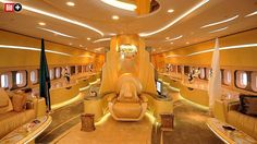 Die pompösen Privatjets der Superreichen: Marmorbäder, Limousinen und ein Thron an Bord