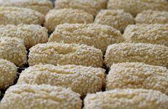 Italian Sesame Seed Cookies, Recipe For Sesame Cookies, Italian Cookies, Fig Cookies, Cookies Et Biscuits, Cookie Recipes, Sweet Tooth, Seeds, Sicilian