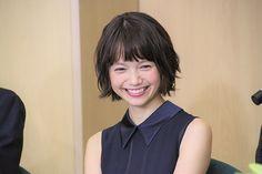 Hair Scarf Styles, Short Hair Styles, Scarf Hairstyles, Miyazaki, Cute Girls, Fashion Beauty, Hair Cuts, Hair Beauty, Beautiful Women