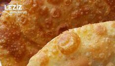 Çok Pratik Çiğ Börek Tarifi nasıl yapılır? Çok Pratik Çiğ Börek Tarifi için malzeme listesi, kalori bilgisi, detaylı anlatımı, tarife ait fotoğraf ve yapılış videosu için tıklayınız. (530 kalori) Gönderen: Acemilerin Mutfağı Turkish Recipes, Ethnic Recipes, Brioche Bread, India Food, Food Words, Easy Snacks, Good Food, Dinner Recipes, Brunch