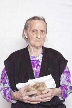Paraskiewa, a Babka, a whisperer. Uses the power of prayers, spells, burns flax, pours wax – just like centuries ago she 'prays' illnesses. Photo by Katarzyna Majak.