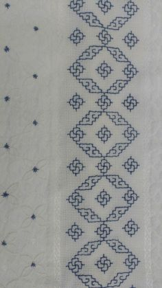 This post was discovered by In Kasuti Embroidery, Swedish Embroidery, Border Embroidery, Hand Embroidery Stitches, Cross Stitch Designs, Cross Stitch Patterns, Motifs Blackwork, Bordado Tipo Chicken Scratch, Hand Embroidery Design Patterns
