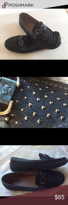 """Donald J Pliner-Sparkly navy blue suede loafers Dark navy blue suede with glittery blue sparkles and studded with silver tone beads. Worn only once or twice, like new, excellent condition!! (Peacock Sparkle Suede, """"Viky"""") Donald J. Pliner Shoes Flats & Loafers"""