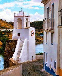 Mertola traditional architecture and ancient #castle walls, #Alentejo, #Portugal.  quintadoevaristo@gmail.com   Évora