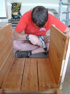 Pretty Front Porch: DIY Large Cedar Planter Boxes – Engineering A Home Planter Box Plans, Cedar Planter Box, Garden Planter Boxes, Outdoor Wood Projects, Wood Shop Projects, Diy Outdoor Furniture, Diy Wooden Planters, Diy Planters Outdoor, Beginner Woodworking Projects