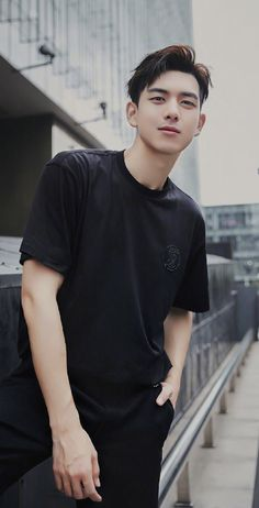 Handsome Actors, Handsome Boys, Dramas, Chines Drama, Gorgeous Men, Beautiful, Korean Drama Movies, Chinese Boy, Korean Celebrities