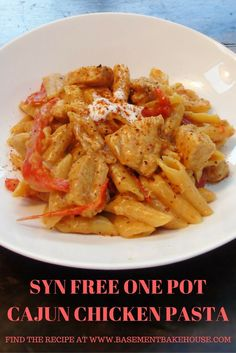 Creamy One Pot Cajun Chicken Pasta - Syn Free - Slimming World - Recipe - Healthy - Low Fat - Cajun Spice - One Pot Pasta astuce recette minceur girl world world recipes world snacks Slimming World Dinners, Slimming World Recipes Syn Free, Slimming Eats, Slimming World Chicken Dishes, Slimming World Lunch Ideas, Slow Cooker Slimming World, Slimming World Free, Slimming World Syns, Slow Cooker Recipes