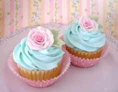 rose cup cake
