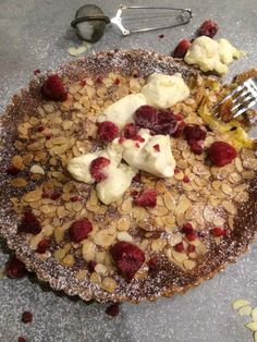 Glutenfri appelsin pai :) Oatmeal, Breakfast, Glass, Desserts, Food, The Oatmeal, Morning Coffee, Tailgate Desserts, Deserts