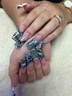 Pretty nail art design idea on flared tips | duck feet nail art design