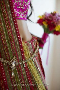 Waist jewelry and colorful textil Red Lehenga, Lehenga Choli, Anarkali, Bridal Lehenga, Indian Attire, Indian Wear, Indian Dresses, Indian Outfits, Indian Clothes