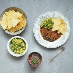 In the spirit of Cinco de Mayo I've created this Mexican inspired Veggie Chilli served up with a big dollop of homemade guacamole.