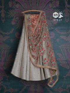 Off white embroidered wedding lehenga, bridal lengha choli, indian bride, indian wedding dress, whit - Lehenga Skirt, Lehnga Dress, Lengha Choli, Indian Lehenga, Sarees, Gharara Pants, Lehenga Blouse, Indian Attire, Indian Ethnic Wear