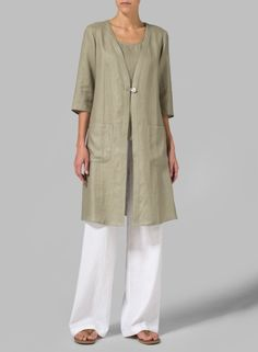 Linen Single-button Oversized Jacket Movement friendly design. Making the line well suited for everything from travel to daily routines.