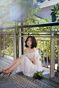 Beauty in white Ulzzang Fashion, Ulzzang Girl, Asian Fashion, Girl Fashion, Style Fashion, Korean Beauty, Asian Beauty, Yoon Sun Young, Beautiful Asian Women