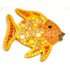 KIT - Orange Rainbow Fish - Our new mini polka dot fish kit from Lonneke has absolutely no cutting so is a perfect choice for children, starters or a quick project. This design is in gorgeous sunny shades of orange combining our newest tiles from beach glass to glitter nuggets. Everything is included so you need nothing extra to complete this wonderful project. #mosaic