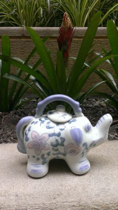 small elephant teapot
