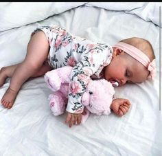 30 Gorgeous Baby Girl Names No One Is Choosing Anymore - Babies Girl Names - Ideas of Babies Girl Names - 30 Gorgeous Baby Girl Names No One Is Choosing Anymore Baby Girl Names, My Baby Girl, Baby Baby, Baby Kind, Baby Love, Little Babies, Cute Babies, Babies Stuff, Foto Baby