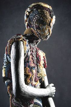 'Queen of Pearls' by Johny Dar | Done on Casual Abstract mannequin by Hans Boodt Mannequins