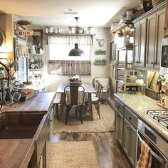 This cozy kitchen is perfect for our Adams farmhouse copper sink. has done an incredible job on their dream kitchen! Cozy Kitchen, Kitchen Redo, Rustic Kitchen, Country Kitchen, Rustic Farmhouse, New Kitchen, Kitchen Ideas, Kitchen Modern, Home Renovation