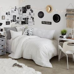 Dorm Room Designs Space Saving Ways To Make A Small Bedroom Look Bigger. Sleeping Porch Rush Lake Minnesota Photo On Sunsurfer. Home and Family Dorm Color Schemes, Dorm Colors, Wall Colors, Small Room Bedroom, Small Rooms, Bedroom Ideas, Bedroom Black, Diy Bedroom, Trendy Bedroom