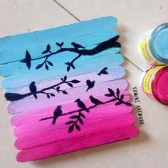 Popsicle stick art Painting on ice cream sticks Cute Crafts, Craft Stick Crafts, Kids Crafts, Diy And Crafts, Paper Crafts, Yarn Crafts, Ice Lolly Stick Crafts, Arts And Crafts For Teens, Craft Ideas