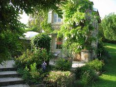 Maison POMME in La Vineuse: 1 Schlafzimmer, für bis zu 2 Personen. Idyllisches Haus mit Schwimmbad und grossem Garten, 5 km von Cluny | FeWo-direkt