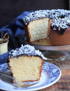 Gâteau au yaourt sans huile facile   Cuisinez avec Djouza Pudding Oats, Sweet Recipes, Cake Recipes, Ice Cream Candy, Yogurt Cake, Brunch, Vanilla Cake, Latte, Food To Make