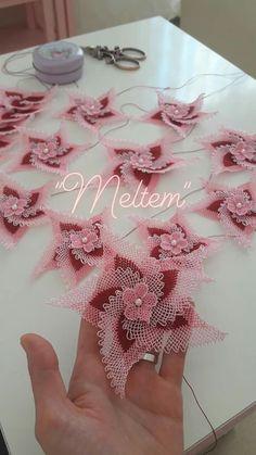 gorgeous photos of crochet needlework! Diy Lace Doily Bowl, Lace Doilies, Crochet Doilies, Beaded Flowers, Crochet Flowers, Fabric Flowers, Satin Flowers, Burlap Flowers, Hairpin Lace Crochet