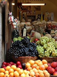 fruit stand, Siena