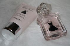 My current favourite #perfume Guerlain La Petite Robe Noire features in today's post