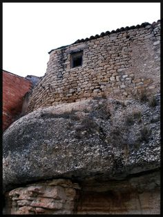 La casa damunt la roca (Lleida)