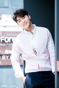 Image about korean in Kang Min Hyuk💓 by xin. Kang Min Hyuk, Choi Jin Hyuk, Lee Jong Hyun, Cnblue, Minhyuk, Asian Actors, Korean Actors, Jun Matsumoto, Heirs Korean Drama