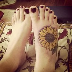 sunflower tattoo, I'd love something like this on my foot!