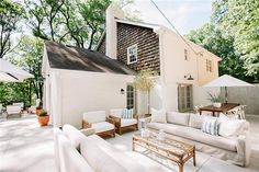 Exterior colors and outdoor space