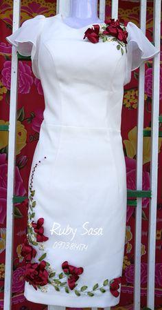 Embroidery On Kurtis, Kurti Embroidery Design, Embroidery On Clothes, Ribbon Embroidery Tutorial, Silk Ribbon Embroidery, Embroidery Dress, Kurta Designs Women, Blouse Designs, Mode Abaya